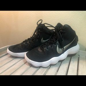 Nike Mid top athletic shoe (Basketball)